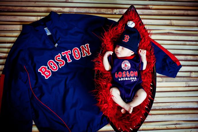 IMAGE: http://www.chiphotographyofcharleston.com/wp-content/uploads/2011/10/charleston_sc_newborn_photographer_001.jpg