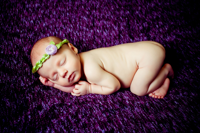 IMAGE: http://www.chiphotographyofcharleston.com/wp-content/uploads/2011/10/charleston_sc_newborn_photographer_003.jpg