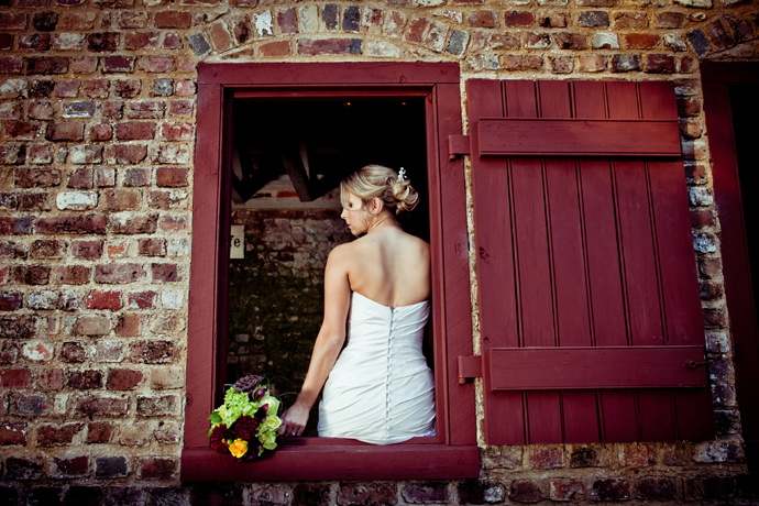 IMAGE: http://www.chiphotographyofcharleston.com/wp-content/uploads/2011/12/boone-hall-plantation-wedding-ceremony.jpg