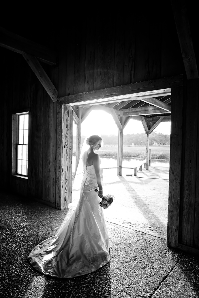 IMAGE: http://www.chiphotographyofcharleston.com/wp-content/uploads/2011/12/cotton-dock-bridal-portrait.jpg