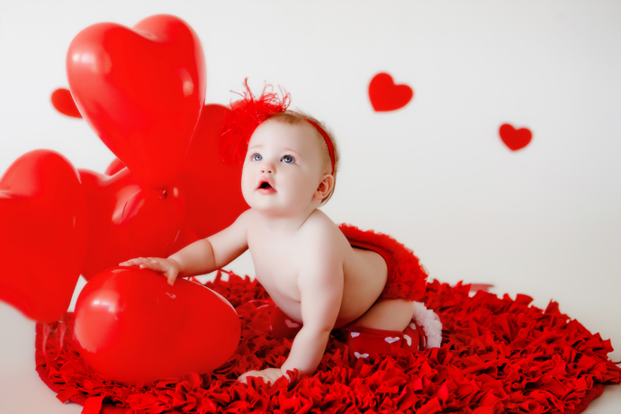 IMAGE: http://www.chiphotographyofcharleston.com/wp-content/uploads/2013/02/04_charleston_sc_valentine_mini_studio_stella_04.jpg